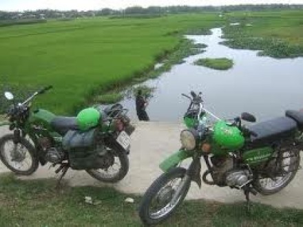 hue-motorbike-tour-to-the-countrysides