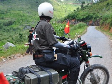 Hanoi motorbike tour to Mai Chau, Phu Yen