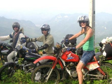 short-vietnam-northern-motorbike-tour-with-night-train